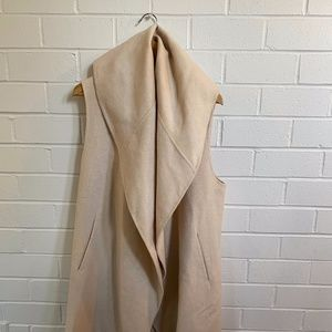 Sleeveless Shawl Neck Coat